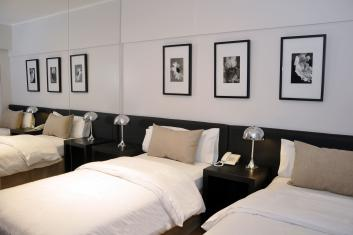 Junior room with 2 single beds